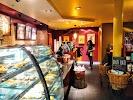 Starbucks, Болотная улица, дом 10 на фото Москвы