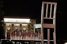 Broken Chair Sculpture, Geneva, Switzerland