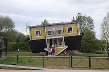 Tagurpidi Maja, Tartu, Estonia