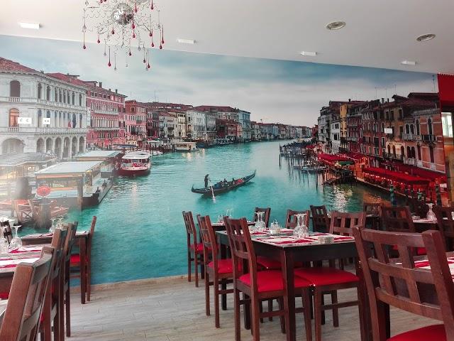 La Barca Restaurant