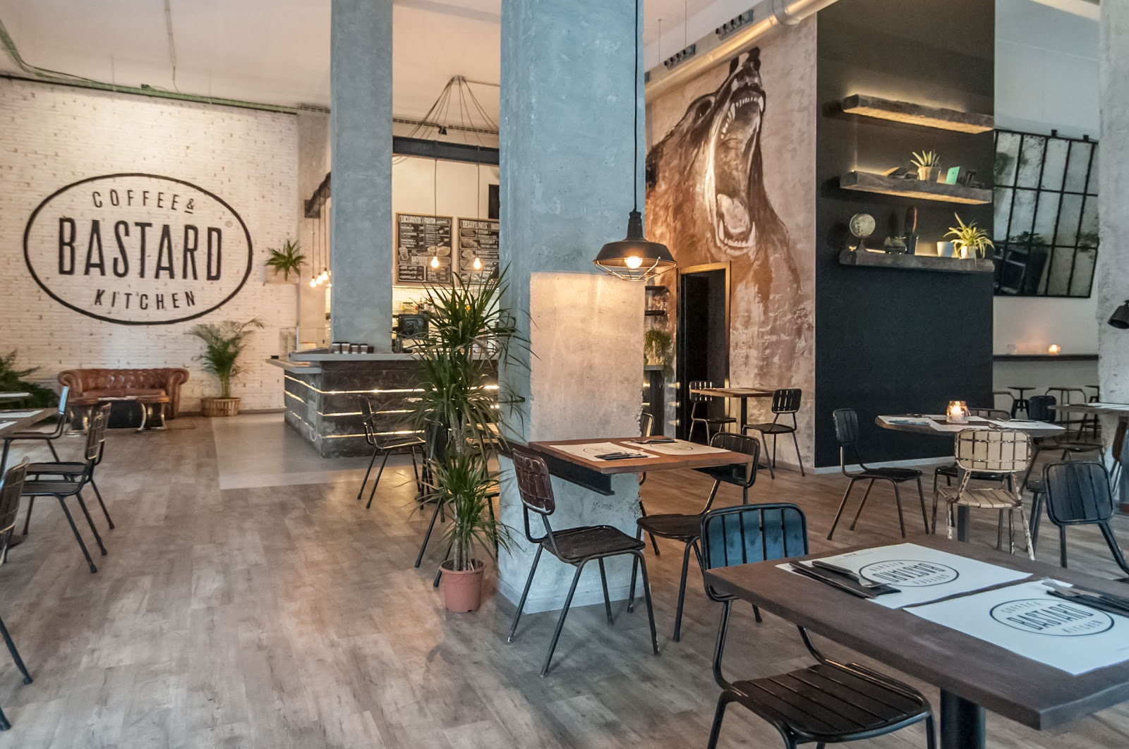 BASTARD Coffee & Kitchen: A Work-Friendly Place in Valencia