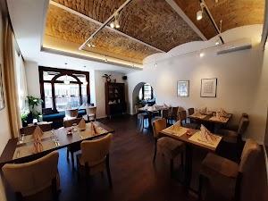 Klapka Restaurant