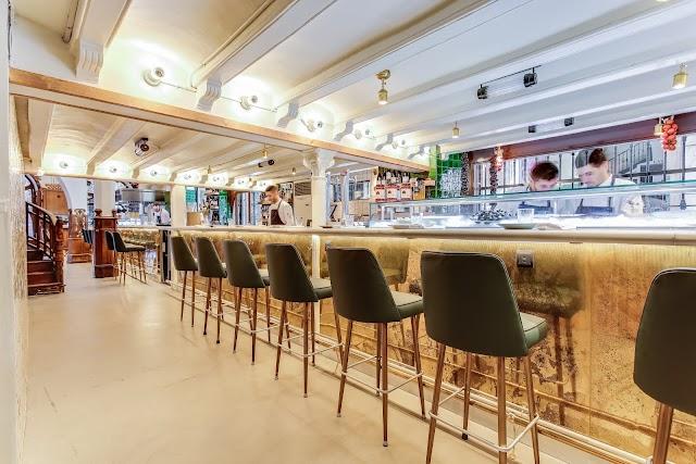 Grill Room Bar Thonet