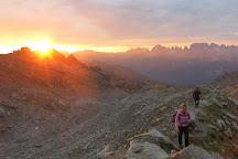 Mountain Friends - guide alpine e accompagnatori, Pinzolo, Italy