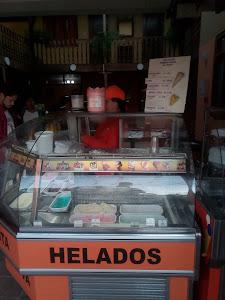 Heladeria Holanda - Baños Del Inca 3
