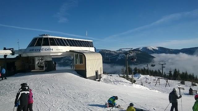 Horní stanice lanové dráhy Medvědín