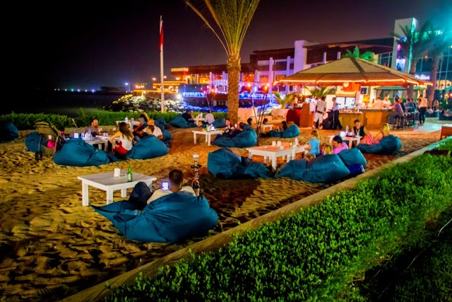 Barefoot Lounge Beachside Outlet