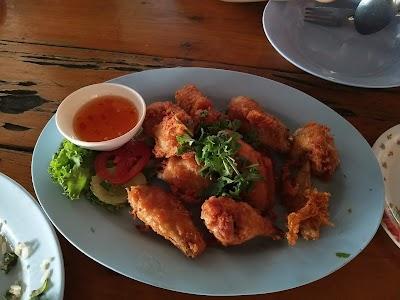 Sai Lom Tha Mai Restaurant