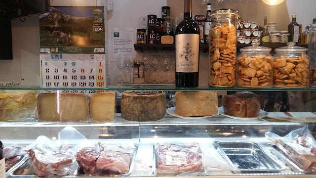 La Santa Bar and Delicatessen