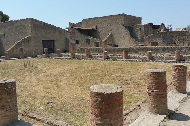 Visit Casa Di Nettuno E Anfitrite On Your Trip To Ercolano