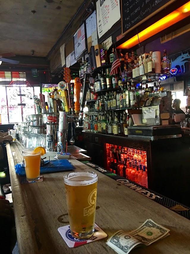 Vazac's Horseshoe Bar