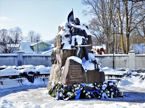 Vabadussõjas langenud saarlaste mälestusmärk