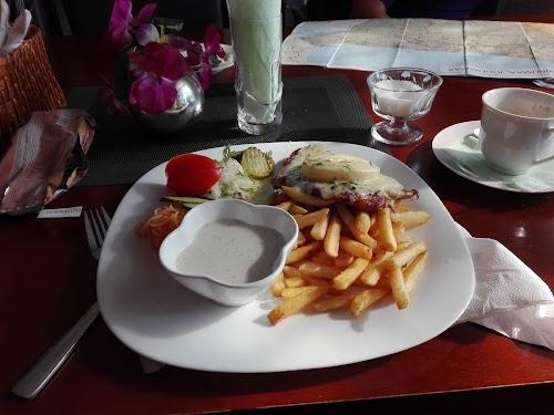 Saarepiiga kohvik