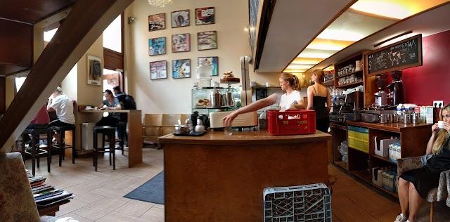 Cuccuma Cafe