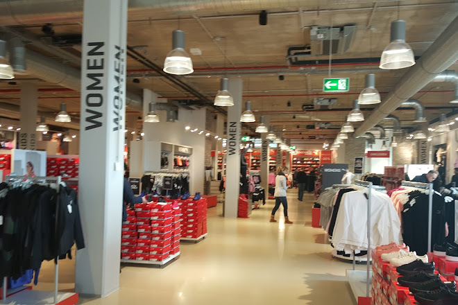 code promo 01484 c7b05 Visit PUMA Outlet on your trip to Herzogenaurach or Germany
