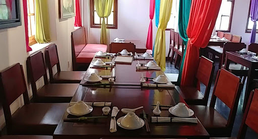 Hum Vegetarian, Café & Restaurant