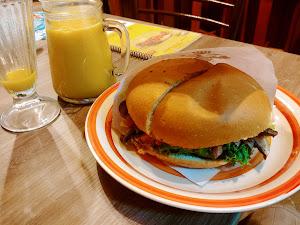 Sandwichería Luchín 0