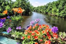 Old Drake Hill Flower Bridge, Simsbury, United States