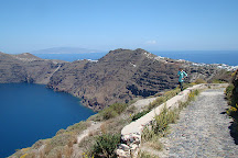 Ekklisia Theoskepasti hiking trail, Santorini, Greece