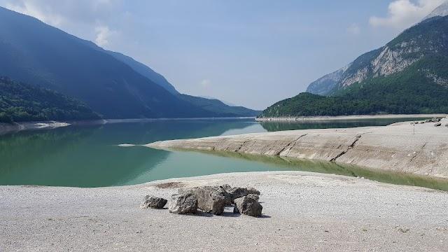 Lago e panorama sul Gruppo del Brenta