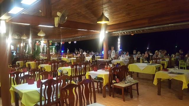 Small View Restaurant & Bar