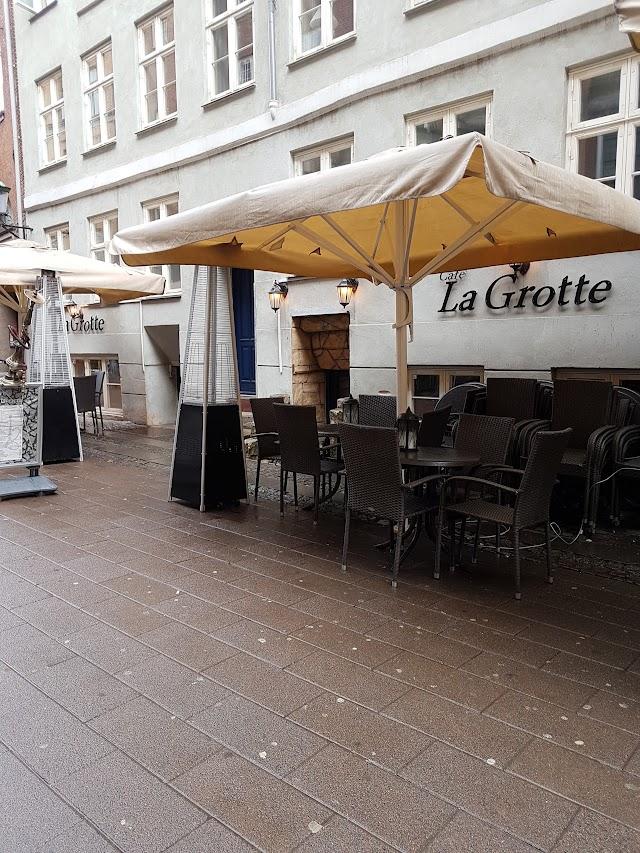 Cafe la Grotte