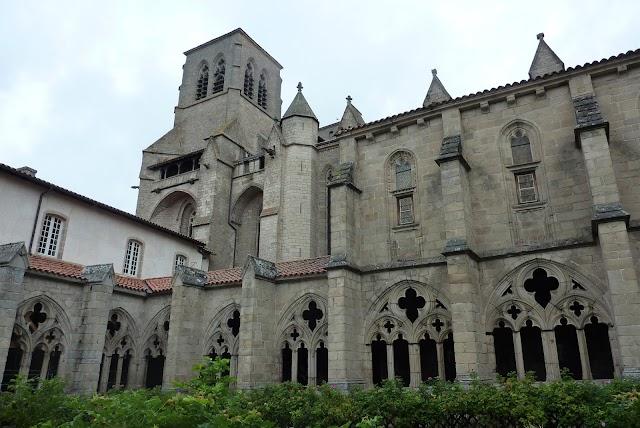 Abbatiale Saint-Robert