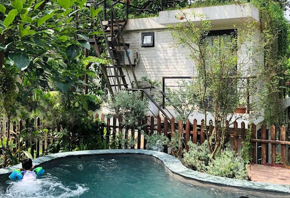 Bể bơi thư giãn tại U Lesa
