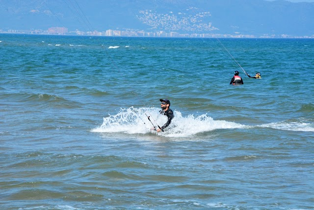 IMPULSE ACTIVITIES - Escuela y tienda kitesurf, windsurf y paddlesurf.