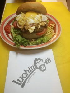 Sandwichería Luchín 9