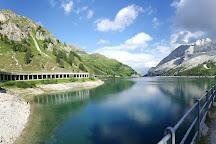 Lago di Fedaia, Penia, Italy