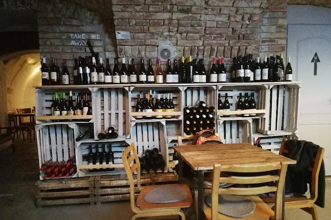 VinoPiano Wine and Tapas bar, Budapest, Hungary