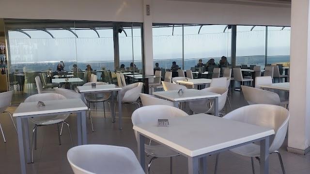 Nice Kriola Restaurante - Bar - Esplanada