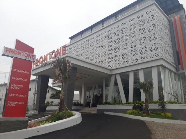 Front One Hotel Madura