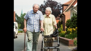 At Home Senior Services | Senior Home Care Pittsburgh