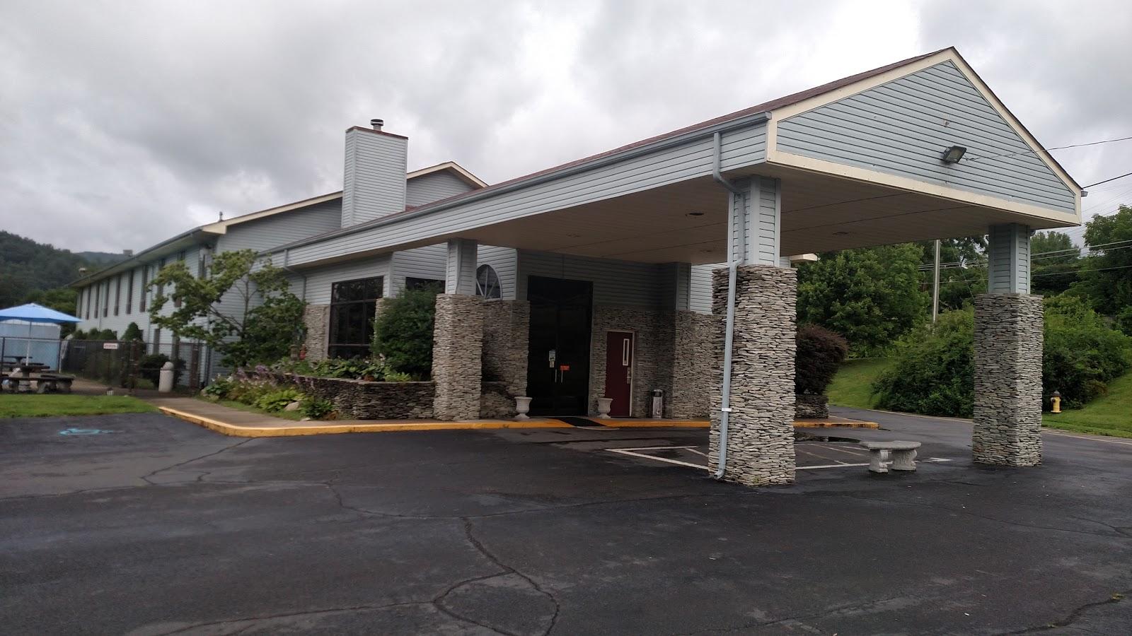 Americourt Hotel Mountain City Johnson County Community Hospital Tennessee Around Guides