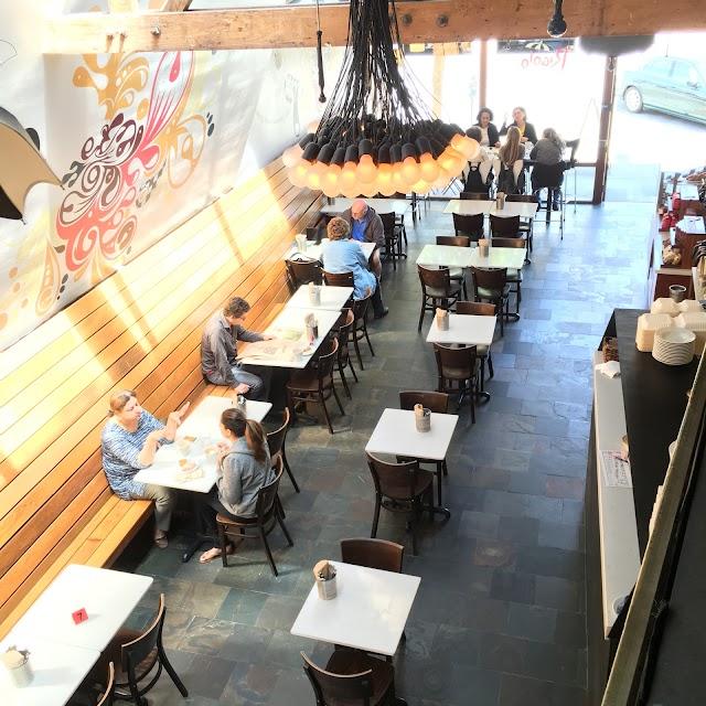Rigolo Cafe