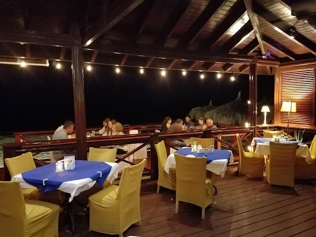 Ricardo's Restaurant & Bar