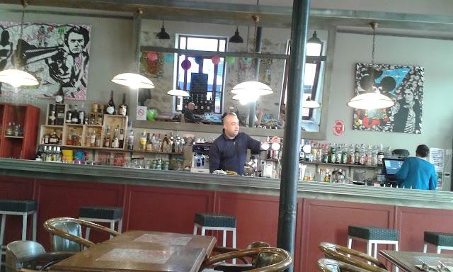 Café Théatre