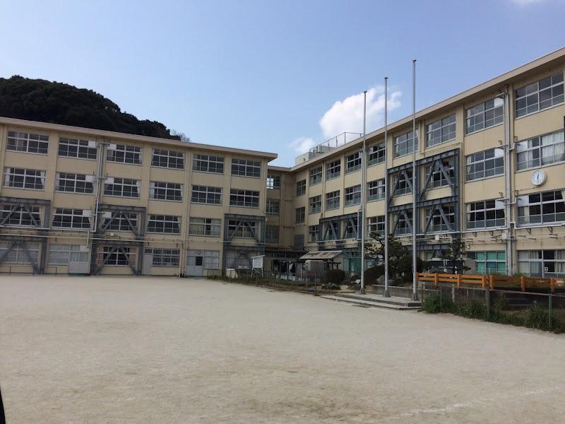 福岡市立若宮小学校 (福岡県福岡...