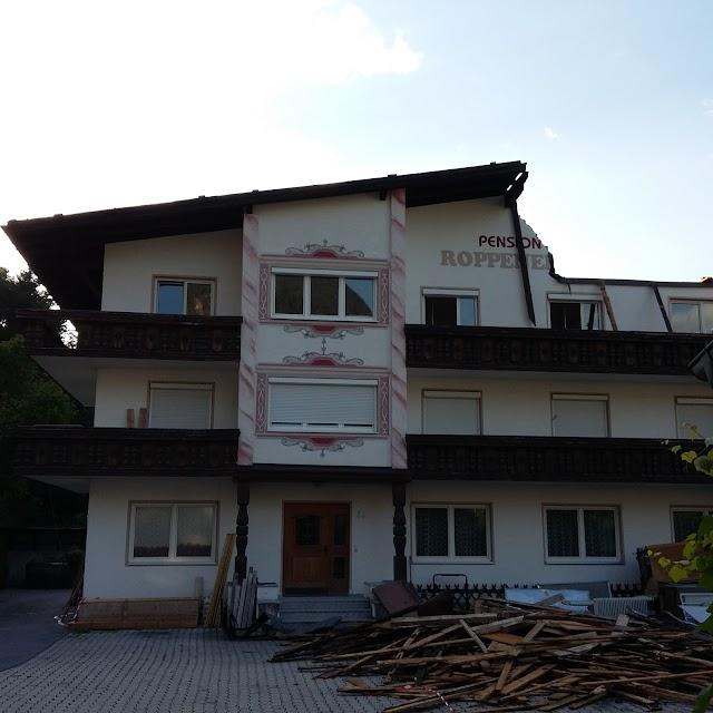 Gasthof-Pension Roppenerhof