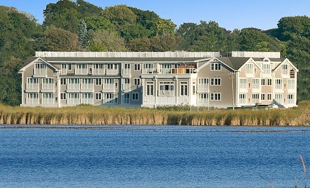 Newport Beach Hotel & Suites