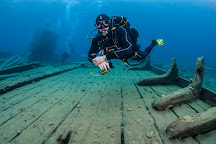 Georgian Bay Divers, Tiny, Canada