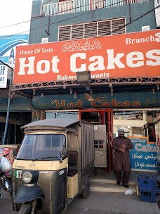 Hot Cakes & Bakers