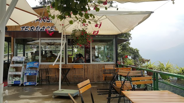 Fansipan Terrace Cafe and Homestay