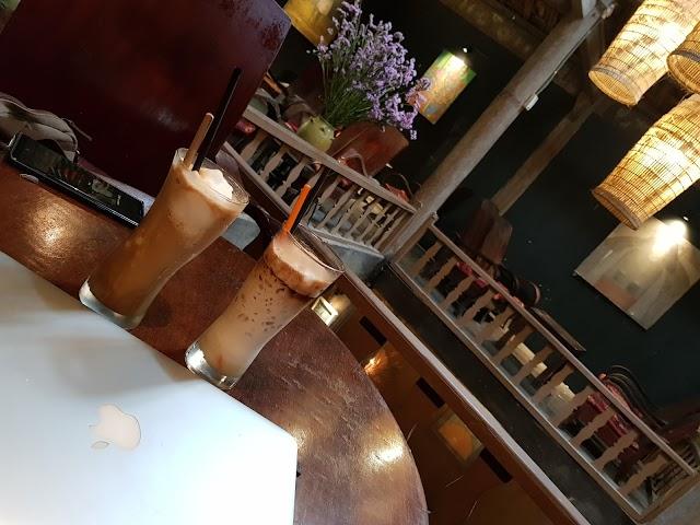 Nhà sàn art coffee