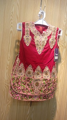 North York® Kid's Wear And Kid's Shoes Sialkot