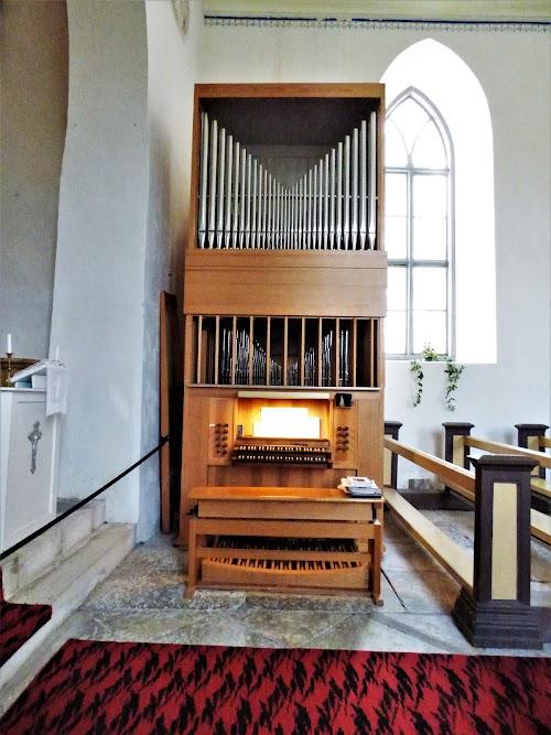 Pühalepa kirik