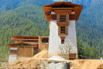 Drukgyel Dzong History