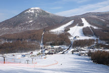 Yunomaru Ski Area, Tomi, Japan